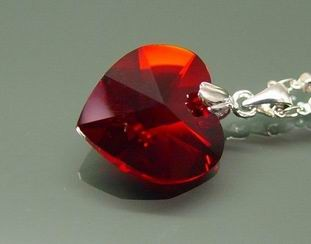 Red Heart-Shape Crystal Pendant for Fame and Recognition