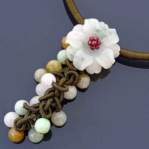 The Peony Jade Necklace - Green