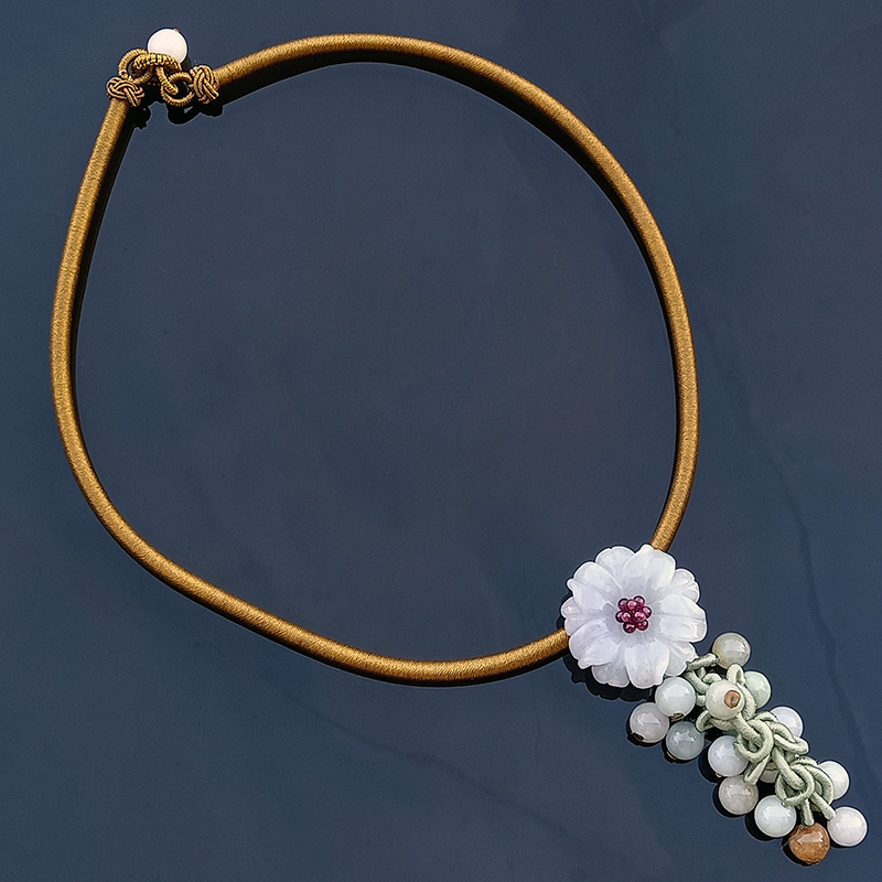 The Peony Jade Necklace - Gold