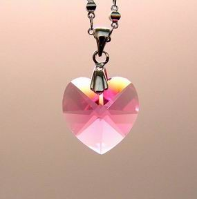 Pink Heart-Shape Crystal Pendant for Love and Romance Luck