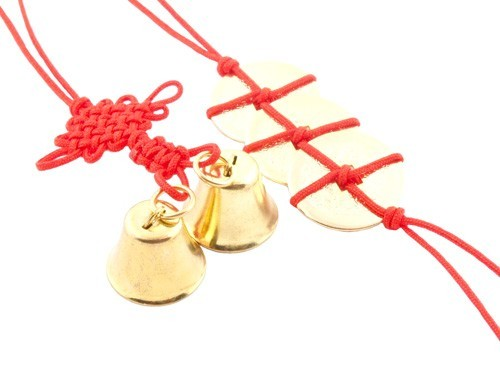 Three Feng Shui Gold Coins and Bell with Mystic Knot - 1set