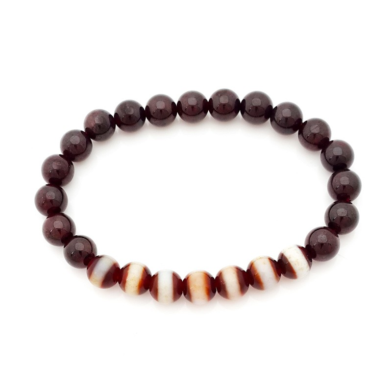 The 7 pieces of Medicine Dzi with Red Garnet Bracelet