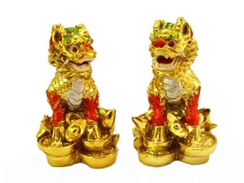 A Pair of Resting Chi Lin (Gold Plated)