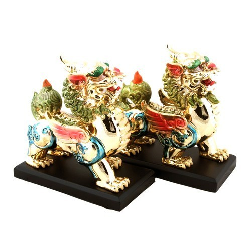 A Pair of Golden Flying Pi Yao