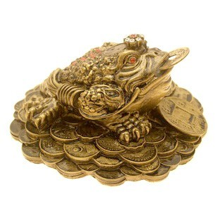 Three Legged Toad on Bed of Coins - Bronze