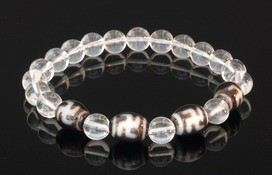 Hotu Dzi Beads with 8mm Smooth Clear Quartz Bracelet